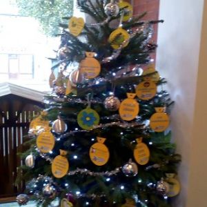 Christmas Tree Festival 2018   Dementia Friendly Tree 2